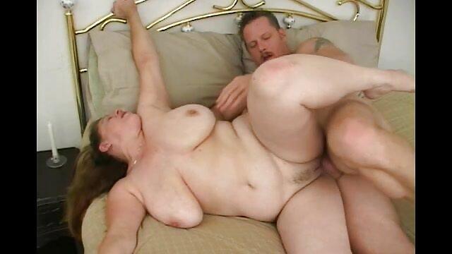 مایا بیجو به دنبال یک خروس بلند از یک نماینده داف پورن راضی است