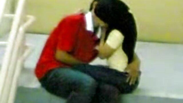 عاشقان دانلودسکس التااوشن ادرار تازه را به یکدیگر می ریزند