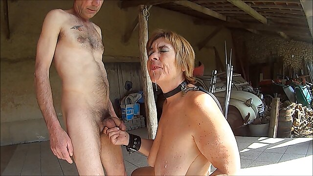 دختران جوان کلیپ سکسی پورن در یک شرکت پسرانه سرگرم می شوند