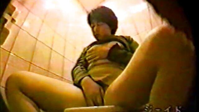دختر جوان عطش اسپرم را فرو می فلم سکس پورن نشاند