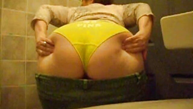 لعنت سکس پورن استار بهش با هم اتاقی خوابگاه