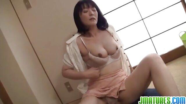 در دروازه ، یک روسپی جوان کارهای شگفت انگیزی انجام دانلود فیلم سکسی پورن می داد